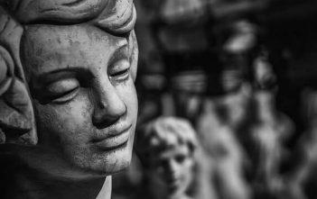 figure de l'espoir ange priant