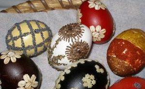 oeufs de paques décorés en pologne