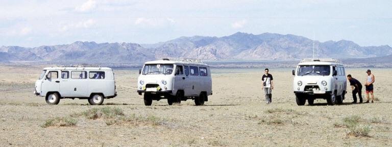 steppe en mongolie en 4x4 russe