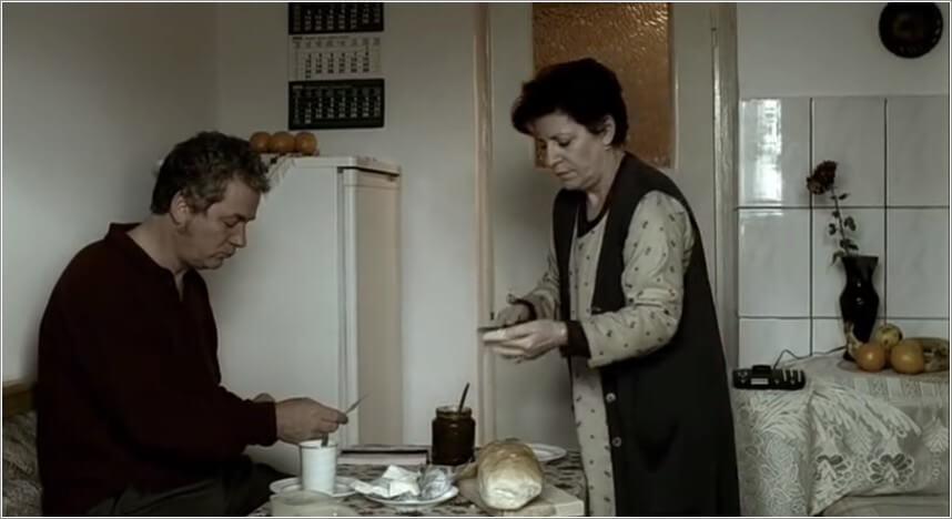 12h08 à l'est de bucarest beurrer la tartine de pain