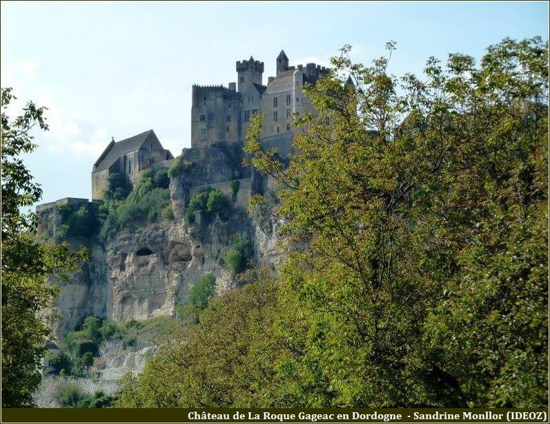 La Roque Gageac chateau Dordogne