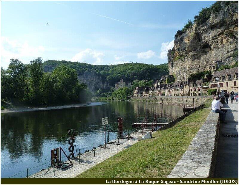 La Roque Gageac promenade sur le bord de la Dordogne