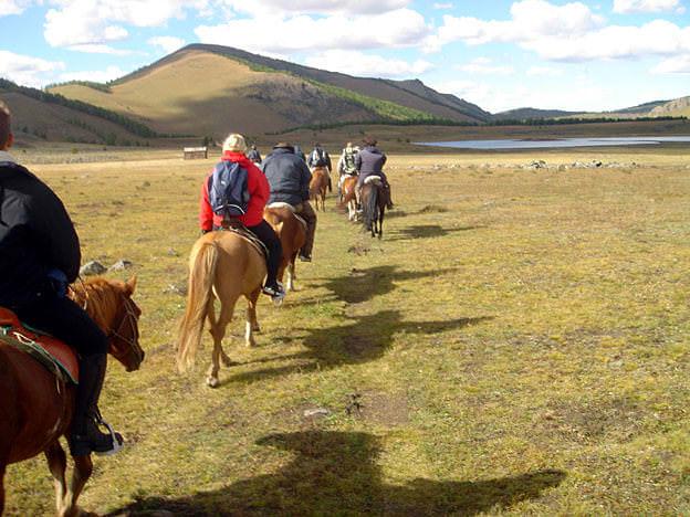 colonne a cheval en mongolie