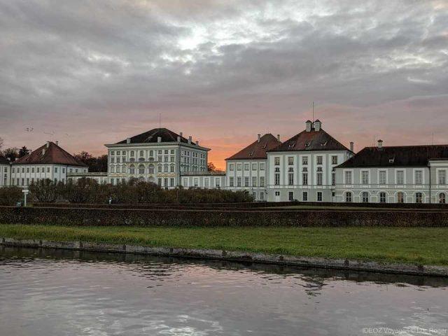 palais nymphenburg au coucher du soleil