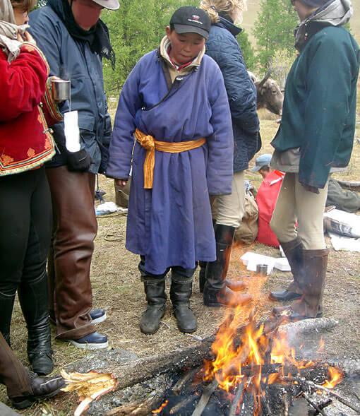 tserendorj mongol 14 ans devant le feu