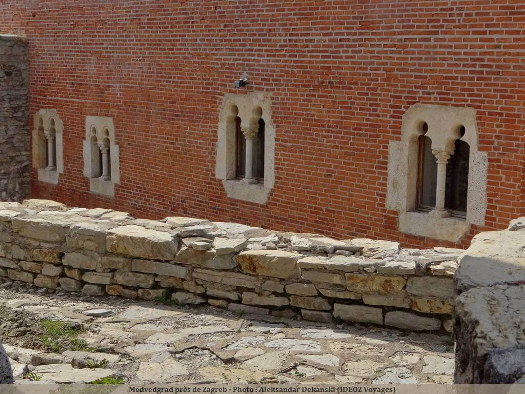Medvedgrad murette de pierres et mur