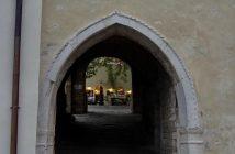 Motovun porte ancienne et blasons