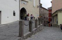 Motovun rue du village médiéval d'Istrie
