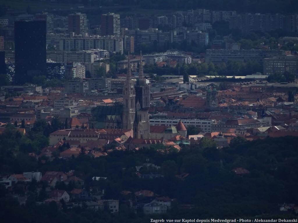 Zagreb Vue sur Kaptol et la cathédrale saint Stéphane depuis Medvedgrad