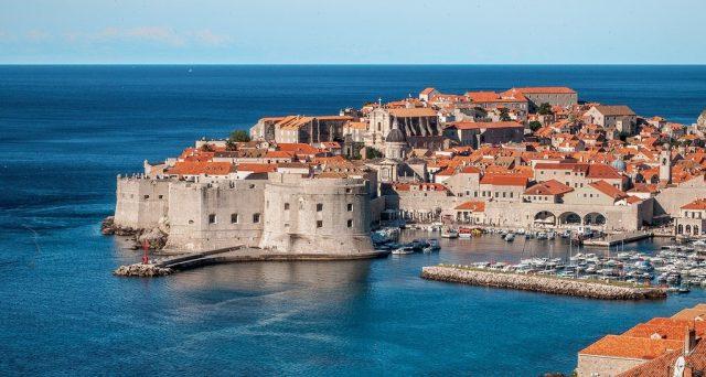 dubrovnik ville fortifiée sur l'Adriatique
