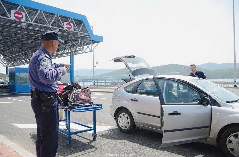 Passage de la frontière Croatie Bosnie Herzégovine à Neum et en Dalmatie ?