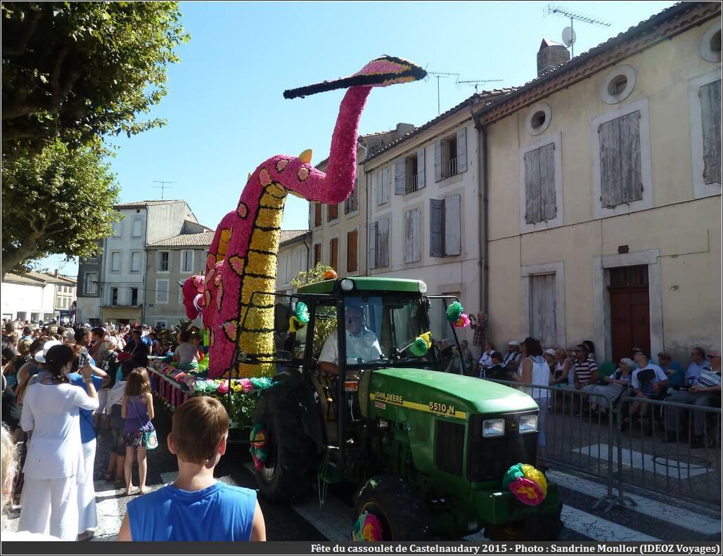 Défilé char du dragon fête du cassoulet de castelnaudary 2015