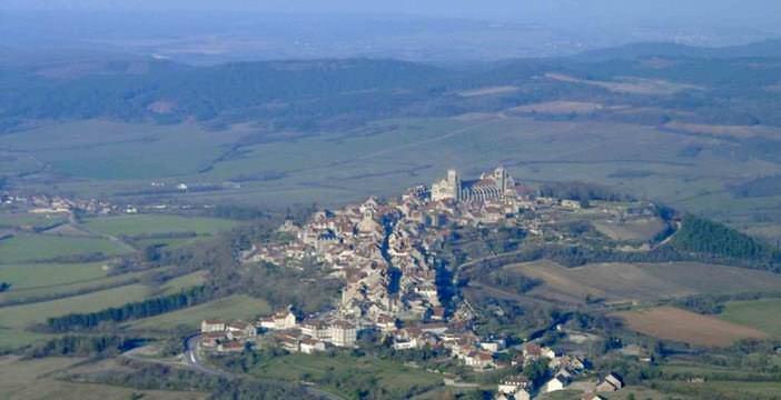 La Madeleine de Vézelay ; 4 voies sur les Chemins de Compostelle en Bourgogne