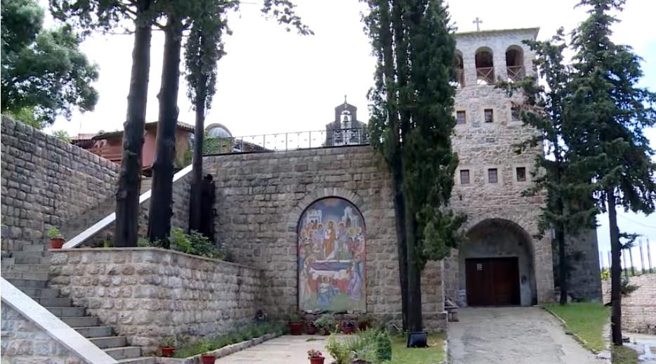 Entrée du monastère Tvrdos près de Trebinje