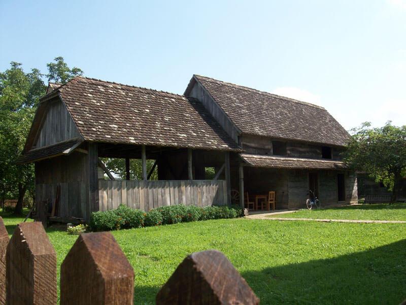 Etno Selo Stara Lonja dans le parc naturel Lonjsko Polje