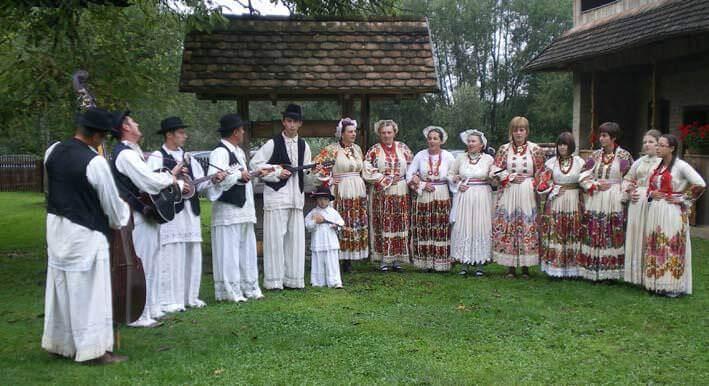 Stara Lonja folklore en Croatie centrale dans le parc Lonjsko Polje