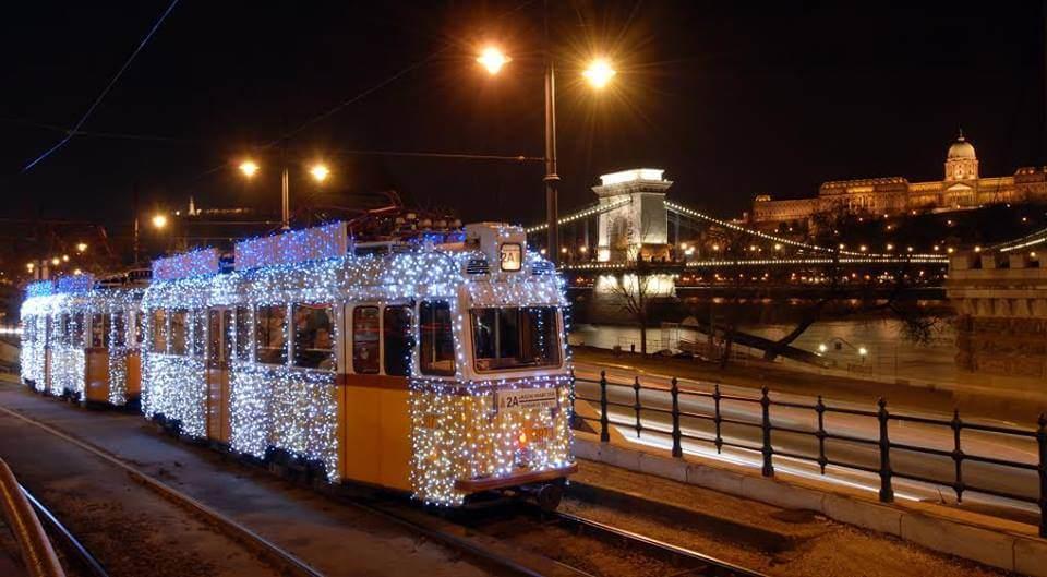 tramways de noel à Budapest
