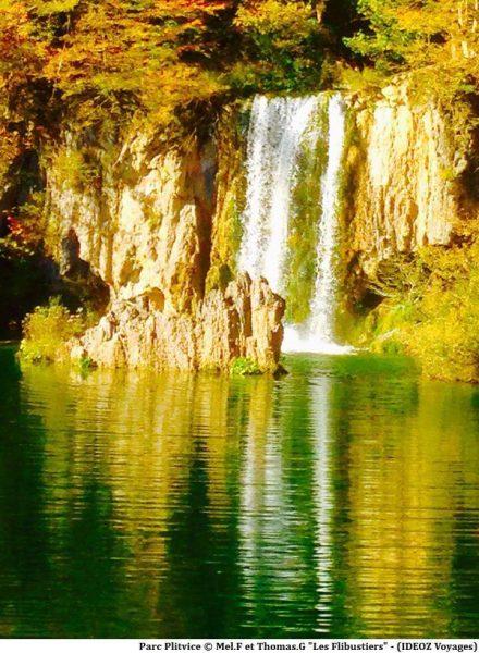 Chutes des lacs de Plitvice en automne