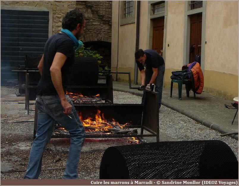 Cuisson des marrons dans la capitale italienne de la châtaigne