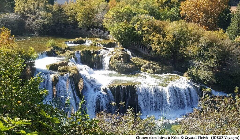 Parc national Krka cascades circulaires en automne