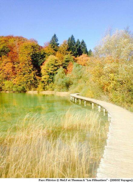 Plitvice en automne au bord des lacs supérieurs