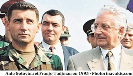 Ante Gotovina et Franjo Tudjman en août 1995 après l'opération tempête en Krajina en Croatie