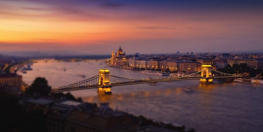 Budapest coucher de soleil sur le Danube