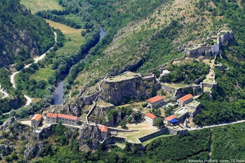 Forteresse Knin en Dalmatie du nord