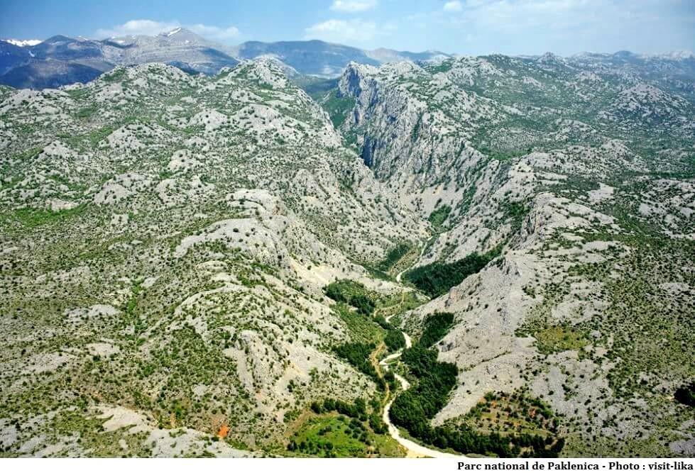 Parc national de Paklenica Starigrad ; paysages karstiques sauvages en Dalmatie 1