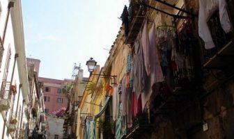 Sardaigne balcons pleins de linge