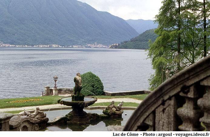 Fontaine d'une villa du lac de Come