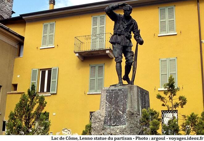 Lenno statue du partisan
