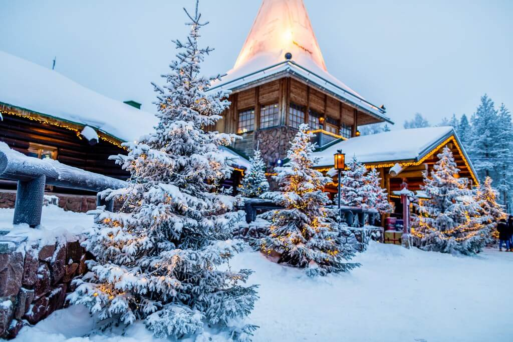 Rovaniemi village du père Noël en Finlande