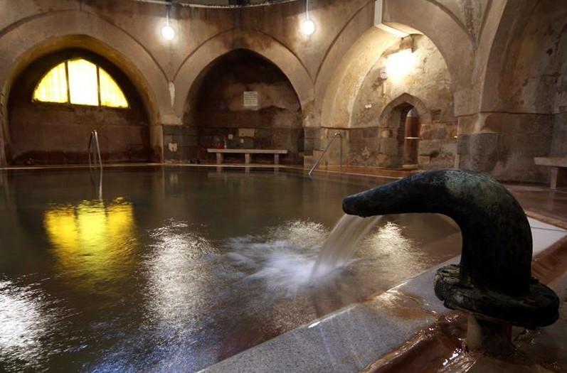 Fontaine bain Kiraly à Budapest