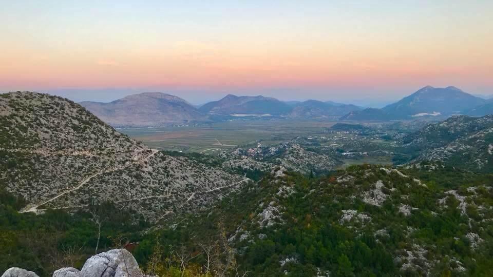 Massifs montagneux en Croatie dans la région de Dubrovnik Neretva