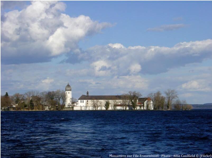 Monastère Fraueninsel sur le lac chiemsee