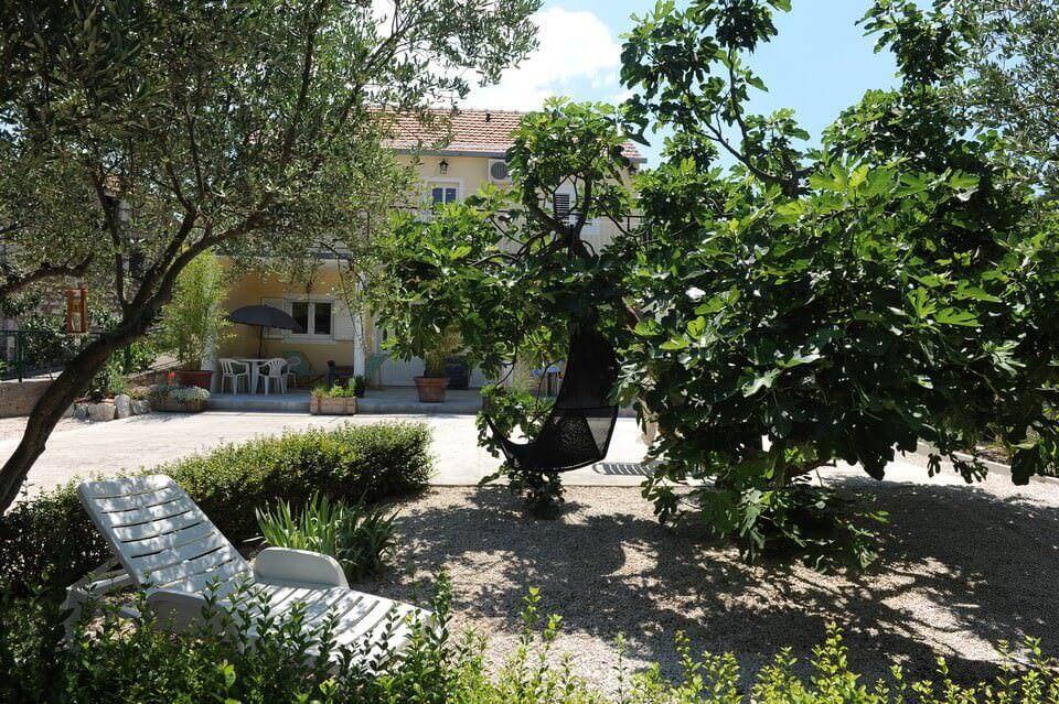 Villa Melanie jardin et coin détente entre Split et Dubrovnik