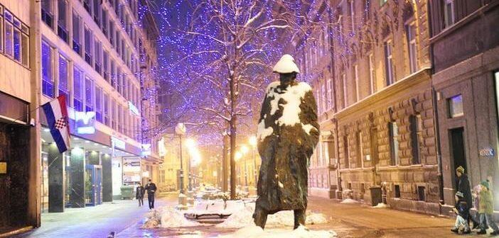 statue zagreb en hiver