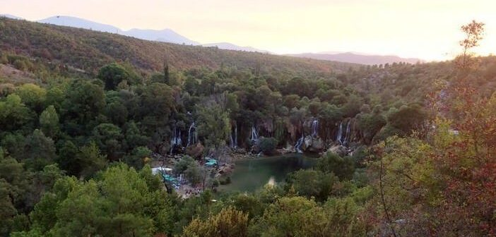 Les chutes de Kravica en Herzégovine : un parc qui n'a rien à envier à Krka!