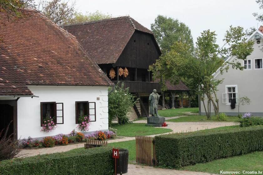 Kumrovec maison et statue de Tito
