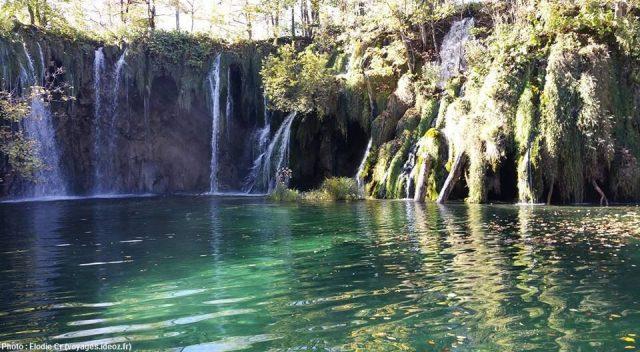 Chutes à Plitvice en octobre