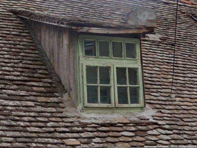 Fenêtre sur Ruma en Serbie