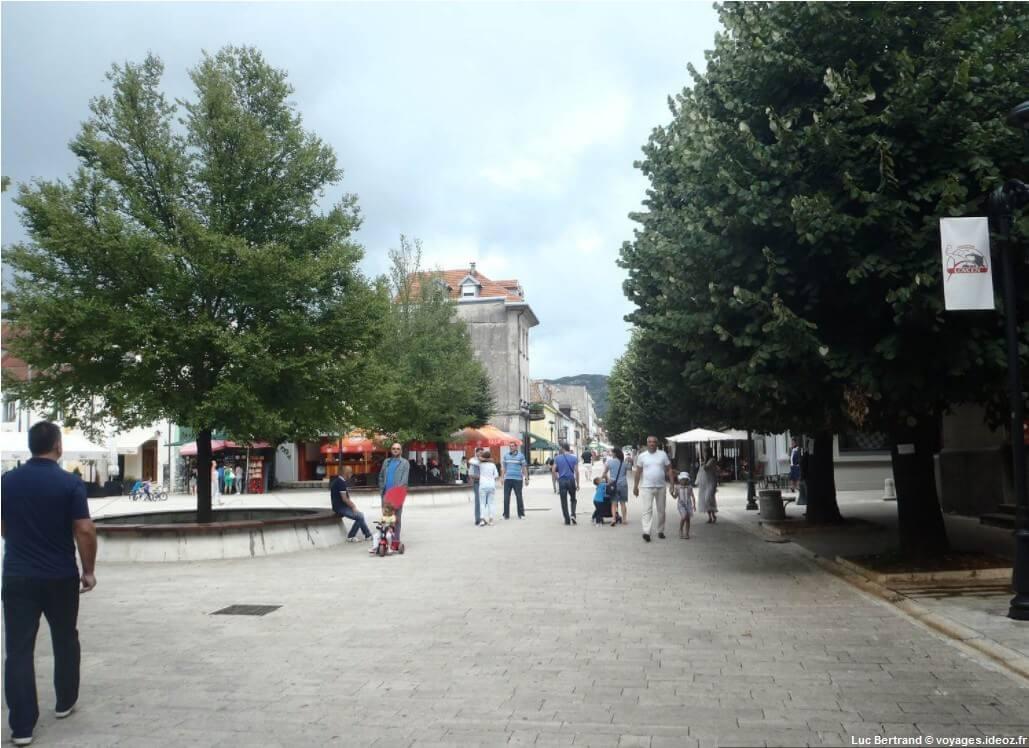 Flaner dans les rues de Cetinje