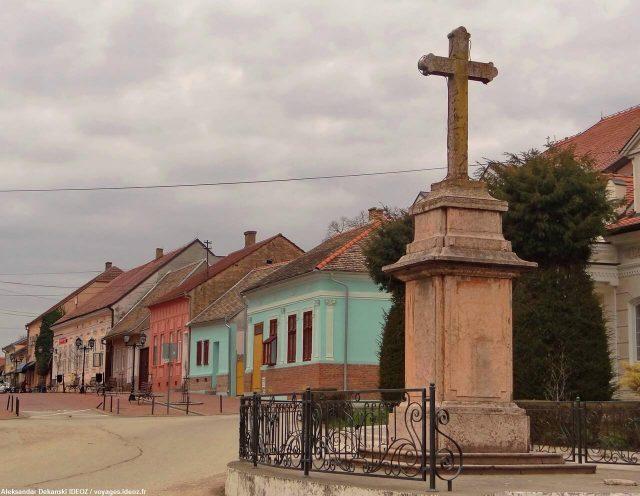 Irig en Serbie Croix dans le centre ville