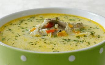 Bortsch d'agneau soupe traditionnelle de paques en roumanie