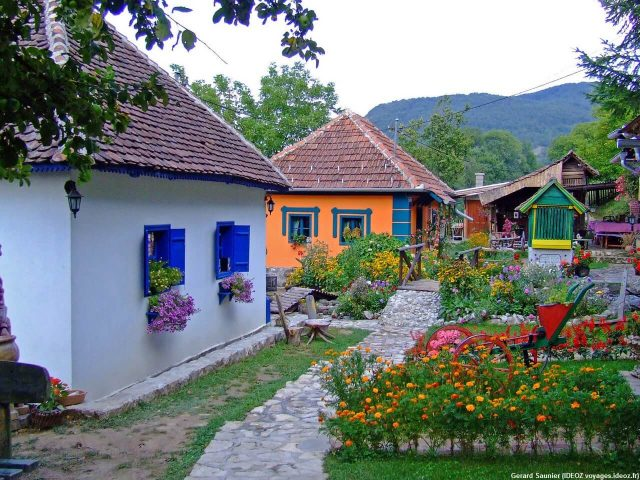 Ethno village Uzice maisons traditionnelles de Serbie occidentale