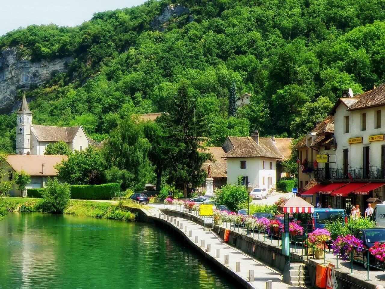 Village de Chanaz en Savoie