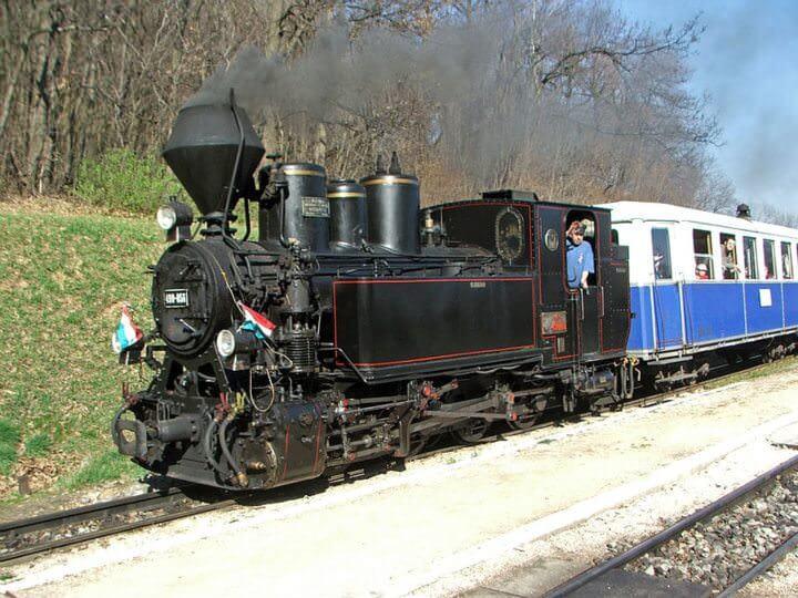 locomotive à vapeur du train des enfants à Budapest
