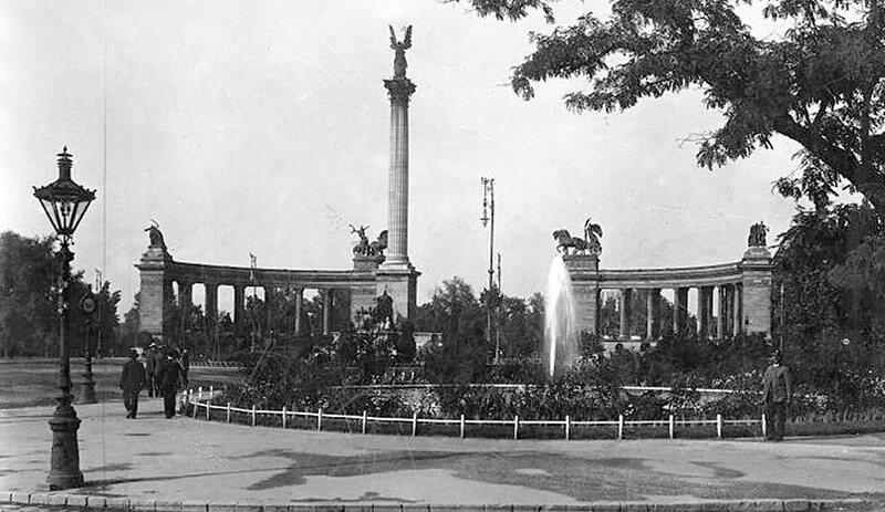 Budapest place des Heros en 1930