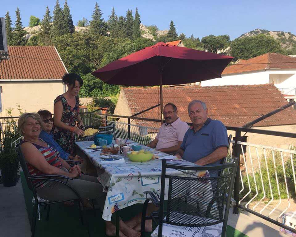 Petit déjeuner à la villa Mélanie Stasevica